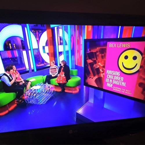 Screenshot Bex on The One Show