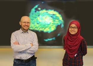 L-R Prof David Alexander and Ady Annuar, Department of Physics