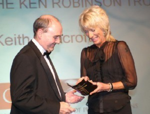 Keith Seacroft receiving award from Jan Hillary