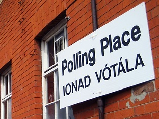 Sign for polling station in English and Irish